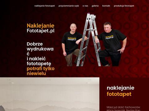Naklejanie fototapet Warszawa